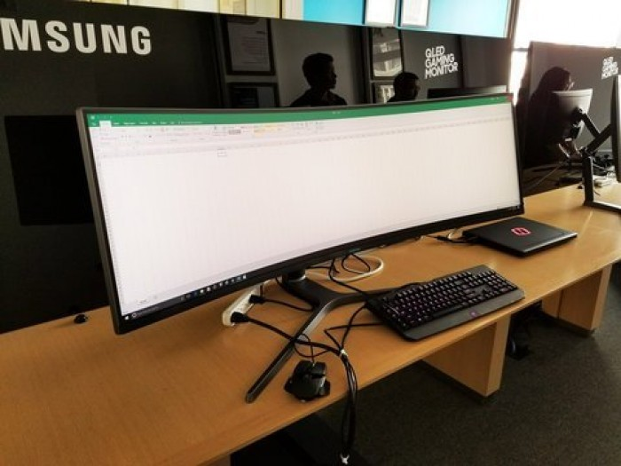 finally, a monitor that will fit the entire name of my Java classes