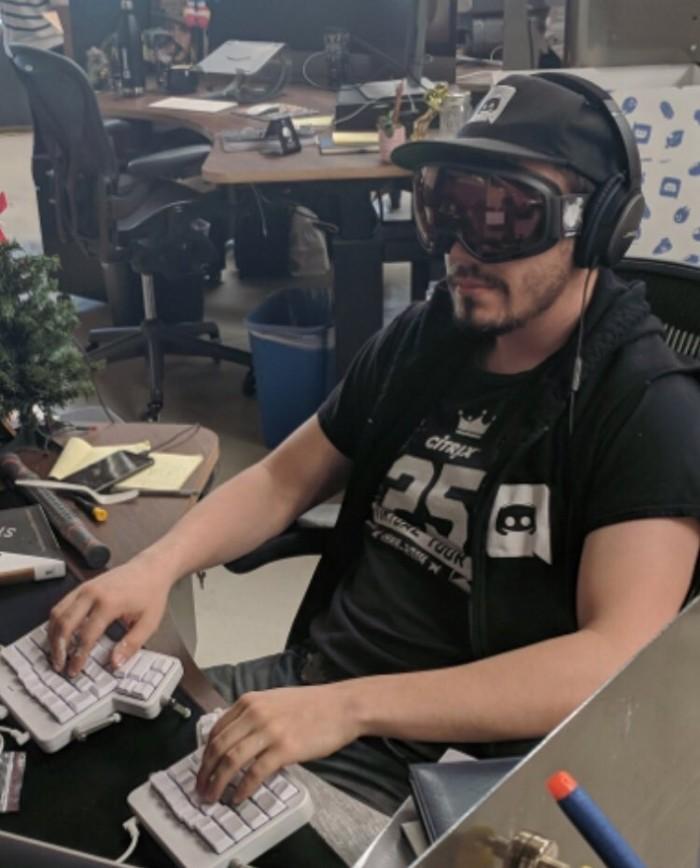 Rare photo of a Discord developer working on light theme